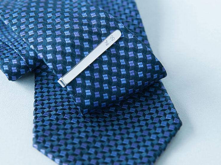 pince-cravate-personnalise-merci-maman